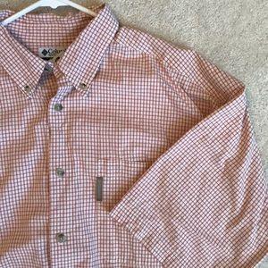 Men's shirt sleeve button down
